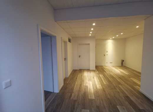 Büro/ Praxis/ Neubau/ Gewerbeeinheit in direkter Staßenlage