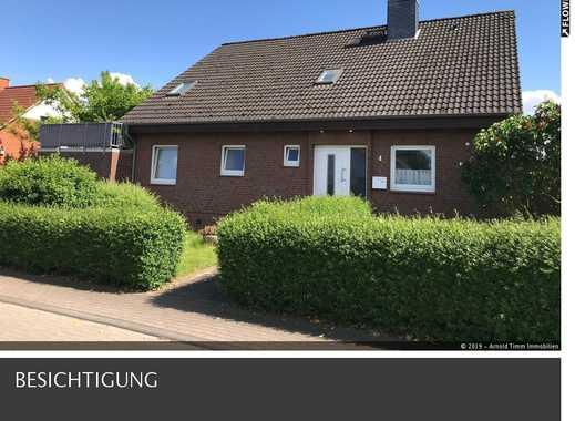 Gepflegtes Zweifamilienhaus mit viel Tageslicht im Grünen in Ortsrandlage von 24247 Mielkendorf.