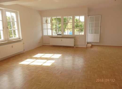 Sanierte Maisonette- Wohnung im kleinen und ruhigen Mehrfamilienhaus