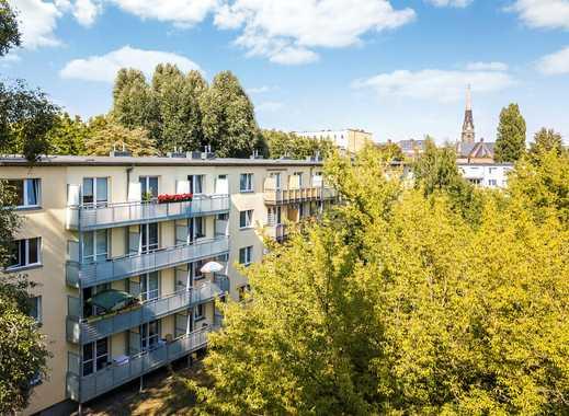 Umfassend modernisierte 2 Zimmer Wohnung mit Balkon