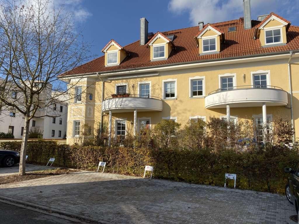 Attraktive, großzügige Altbauwohnung mit Aufzug, in sanierter Altstadtvilla nahe dem Stadtplatz in Mühldorf am Inn