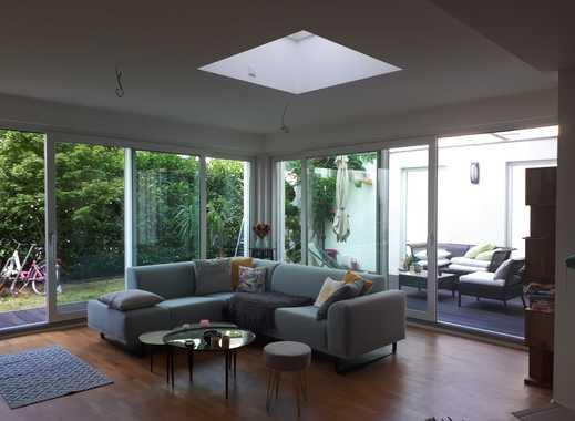 Stilvolle, geräumige 4-Zimmer-Erdgeschosswohnung mit Terrasse und Garten und EBK in Frankfurt