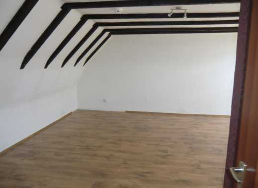 geräumige 1 Zimmer-Dachgeschosswohnung