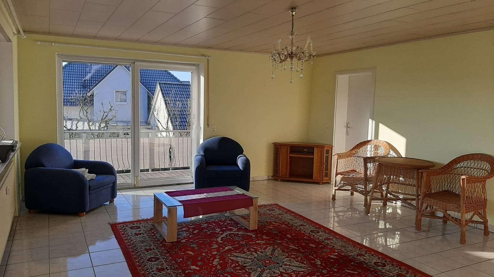 Ansprechende 3-Zimmer-Wohnung mit Balkon und Einbauküche in Bogen Furth in
