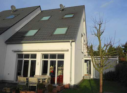 Energieoptimierte  Doppelhaushälfte mit großzügigem Wohnbereich in Düsseldorf-Wittlaer