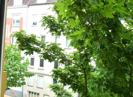 2-Zi.Altbauwohnung mit Balkon, Blick ins Grüne und Wohnküche