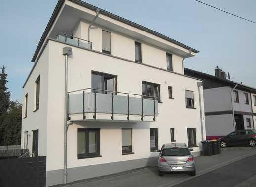 Neuwertige, moderne 2,5-Zimmer-Maisonettewohnung, Terrasse und Garten, 4-Familienhaus