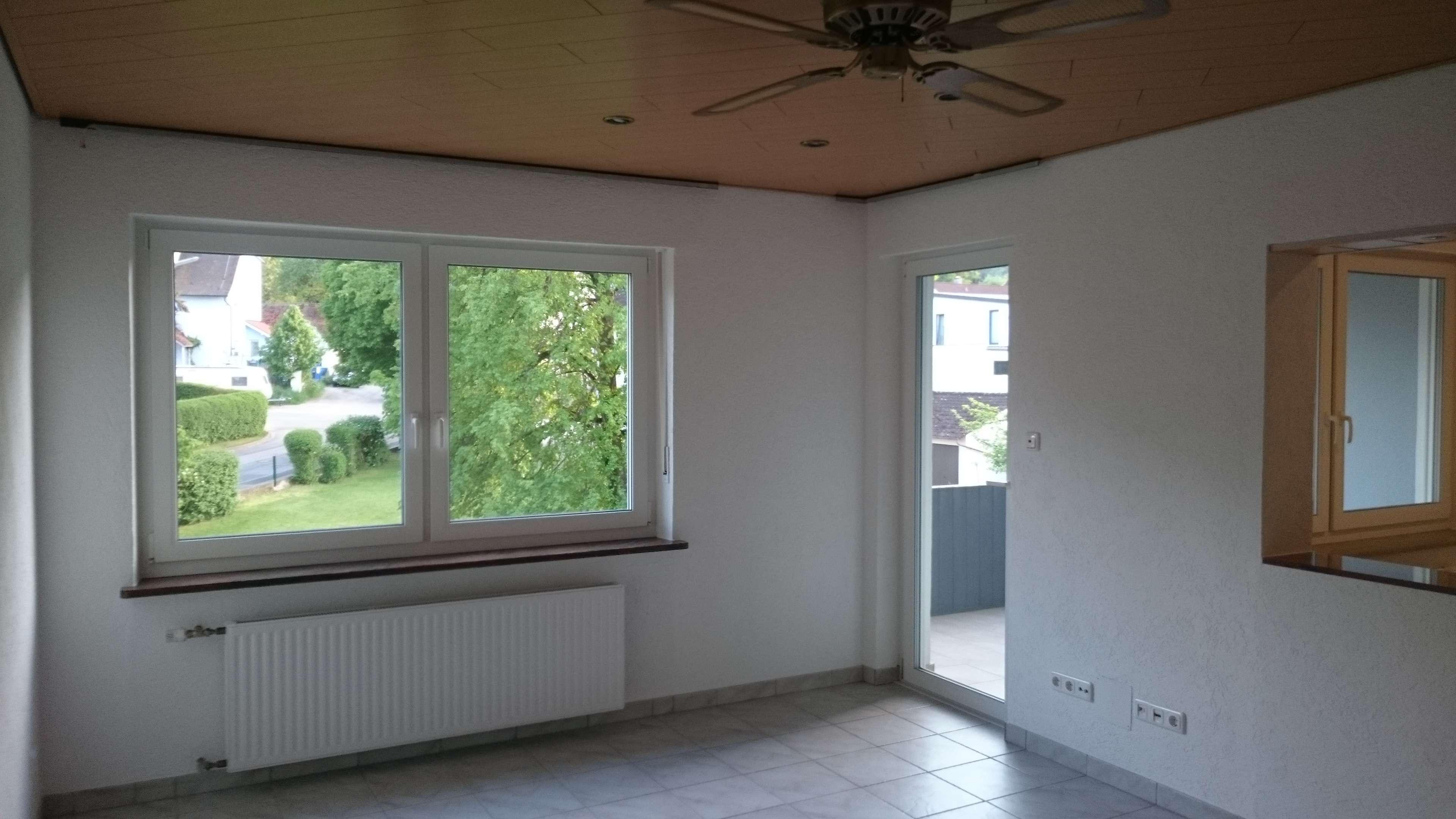 Attraktive, geräumige 3,5-Zimmer-Wohnung mit Balkon in Sulzbach-Rosenberg in Sulzbach-Rosenberg