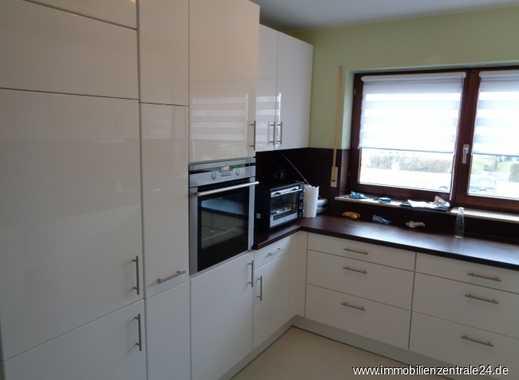 Etagenwohnung mit traumhaften Balkon und attraktiver Küche in zentraler Lage von Butzbach gelegen!