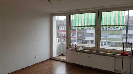Bayreuther Straße ! Helle 1-ZW, ca. 26 qm , Balkon, Laminat, 5 .OG mit Aufzug in Pirckheimerstraße (Nürnberg)