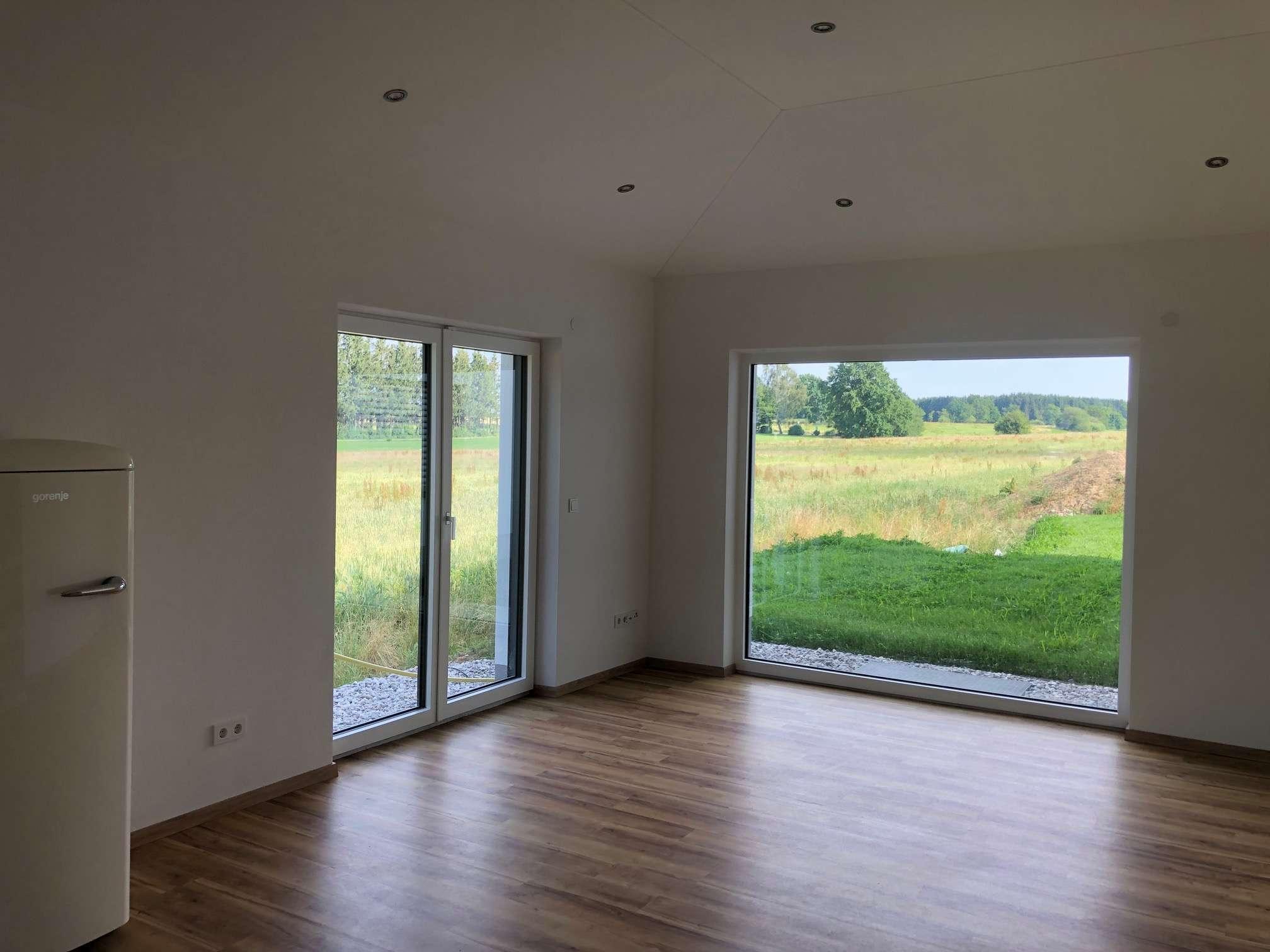 Erstbezug: 2-Zimmer-Wohnung mit separatem Eingang, Einbauküche und Terrasse in Bad Wörishofen