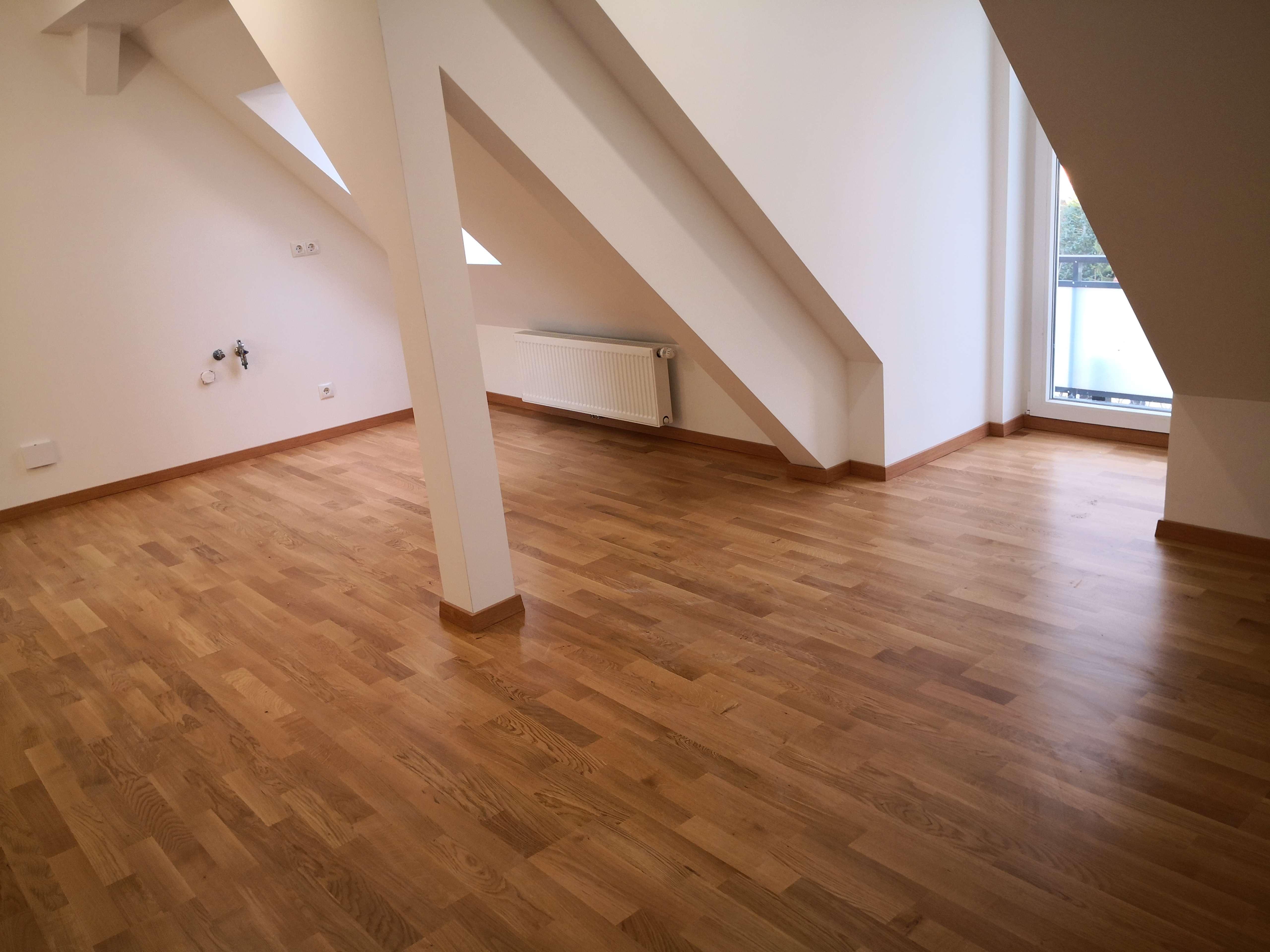 Erstbezug im Dachgeschoss: Ein kuscheliges Nest für Zwei! in Buchloe