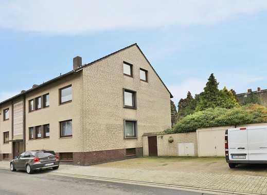 TT Immobilien bietet Ihnen: Zweifamilienhaus mit Ausbaupotential in Wilhelmshaven!