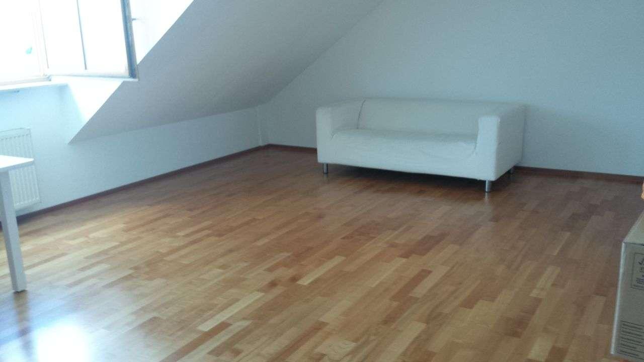 Gepflegte 2-Zimmer-Dachgeschosswohnung mit Balkon und EBK in Bayreuth in Hammerstatt/St. Georgen/Burg (Bayreuth)