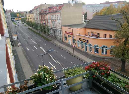 WG-Zimmer mit Balkon in Top-Lage