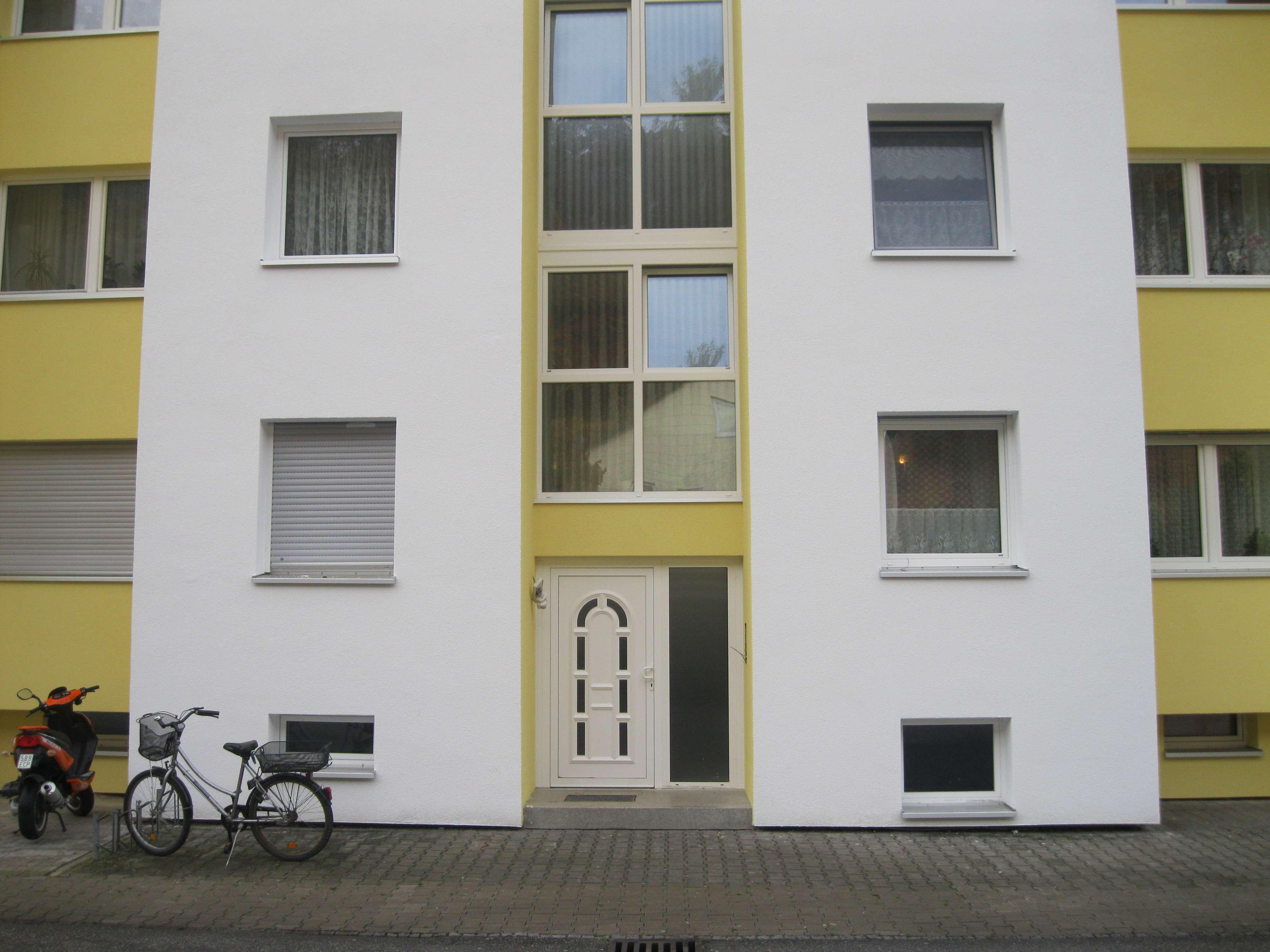 Vollständig renovierte 3,5-Zimmer-Wohnung mit Balkon in Altdorf in Altdorf (Landshut)