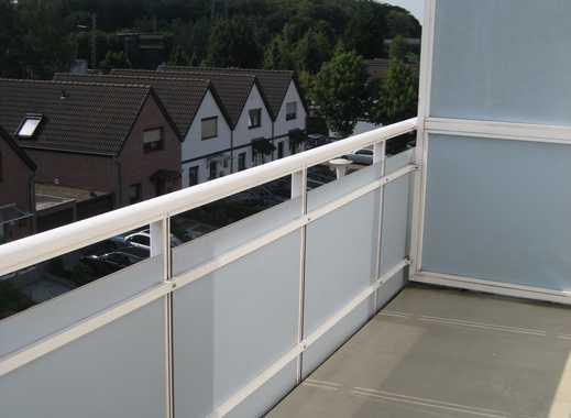 Helle 2 Zimmerwohnung mit Balkon und Küche