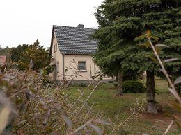 Wohnhaus/ Garten