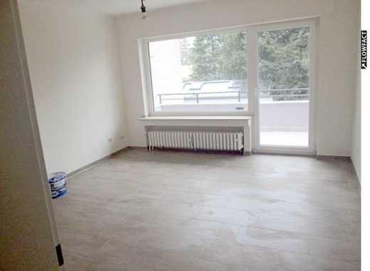 Gepflegte 2-Zimmer-Wohnung mit Balkon und PKW-Stellplatz.