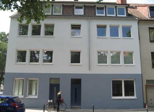 STADTWERDER - Neustadt renovierte 2-Zimmer-Wohnung mit EBK und Südbalkon von Privat