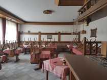 Gaststätte mit Wohnungen Gastroküche Biergarten