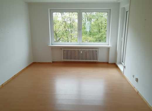 Große 4 Zi. Wohnung mit Wannenbad und Balkon