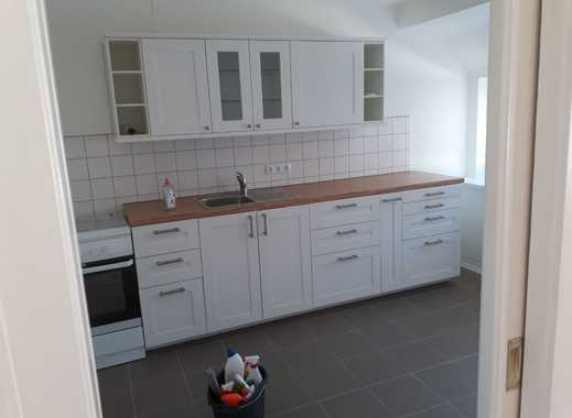 Modernisierte 2-Zimmer-Dachgeschosswohnung mit Einbauküche in Hannover