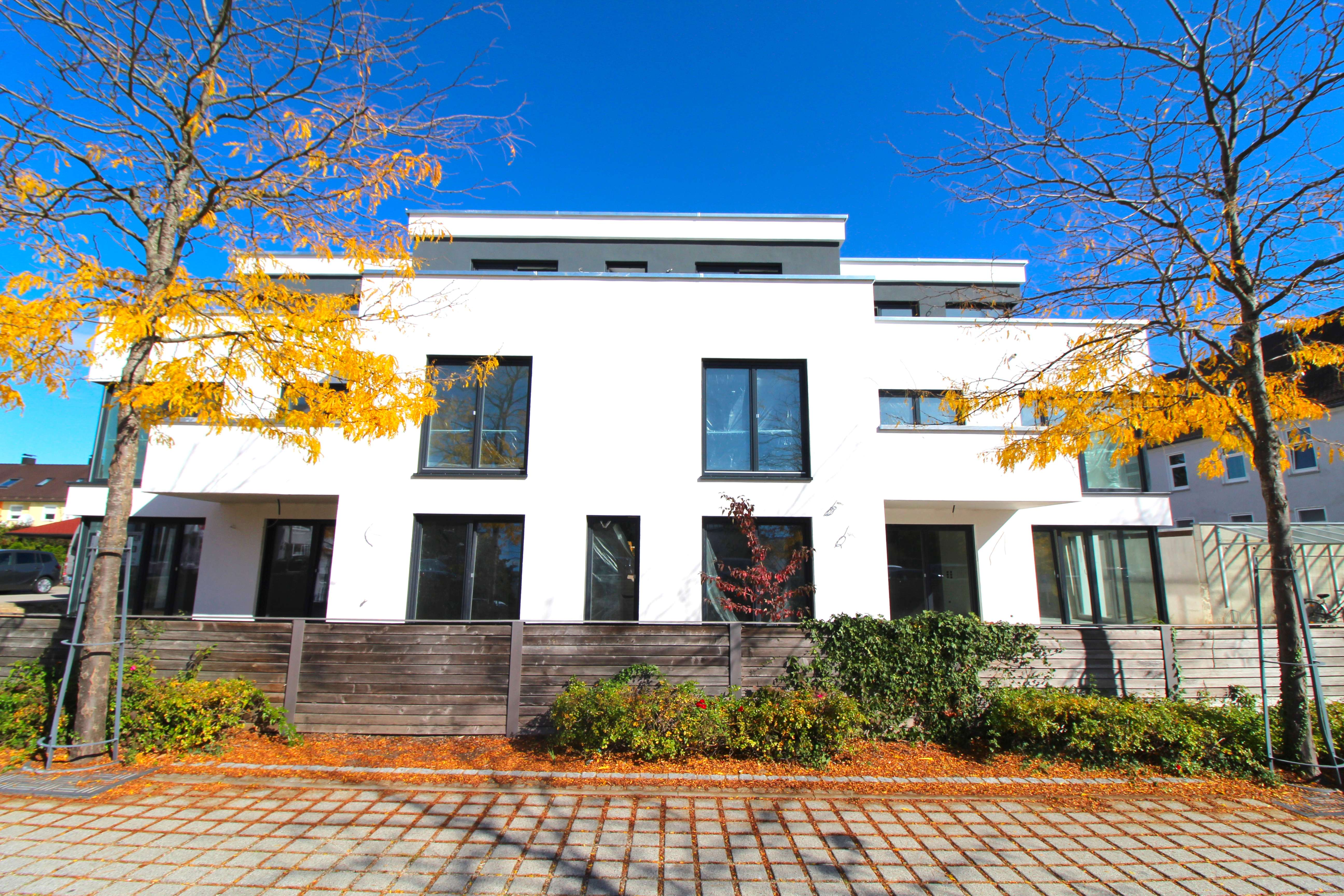 *Penthousewohnung* in TOP-LAGE in Neutraubling