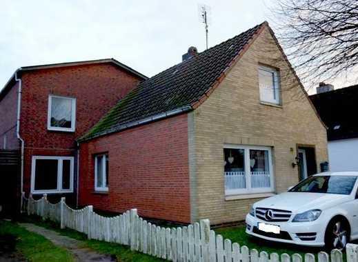 Heide: Zentrumsnahes Wohnhaus mit viel Platz und gepflegten Garten