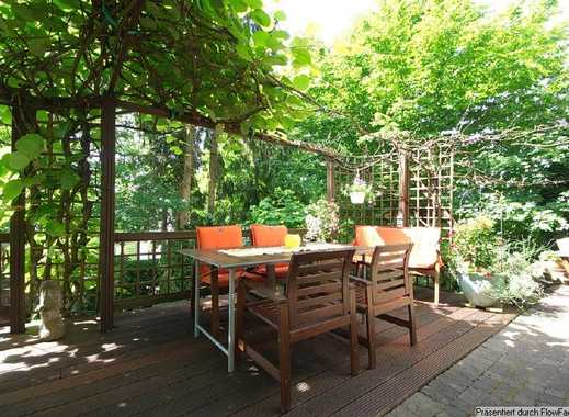 Charming rental property, available for 3 years. Large patio, garden, fireplace, car parking spac...