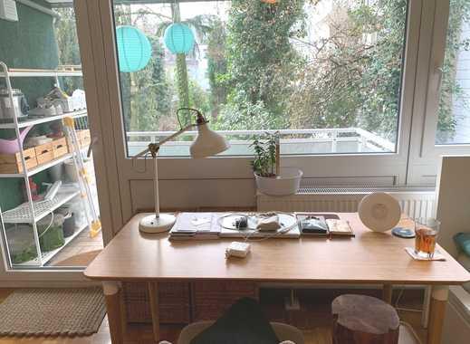 Wunderschöne 1-Zi-Wohnung, KDB, Einbau-Kochnische, Balkon, Fernwärme, Parkett in E-Rüttenscheid