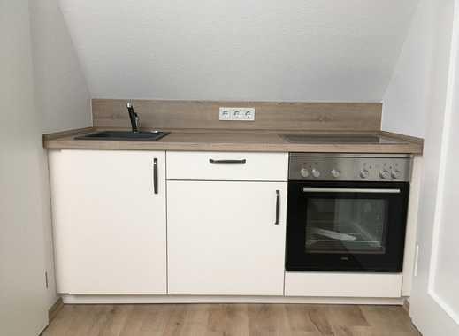 Erstbezug nach Sanierung: preiswerte 2-Zimmer-DG-Wohnung mit EBK in Bad Hersfeld