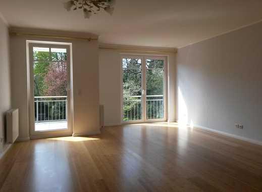 Gehobene 3-Zimmer-Wohnung mit 2 Balkonen, Aufzug und Einbauküche in Schwachhausen