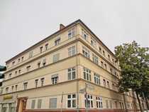 Bild Zentral gelegene Altbau-Wohnung mit großzügig bemessener Wohnfläche