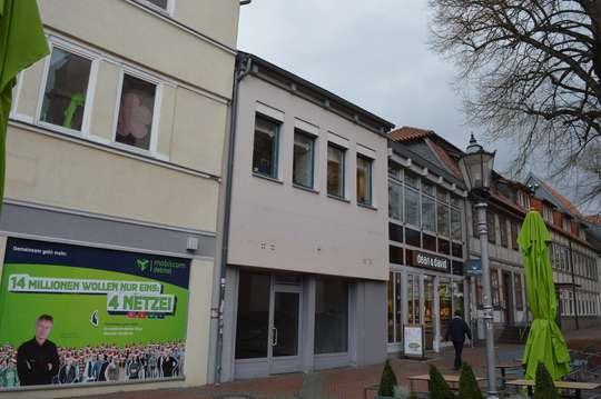 Kleines Ladengeschäft am Jacobikirchhof, ggf. Gastronomie möglich