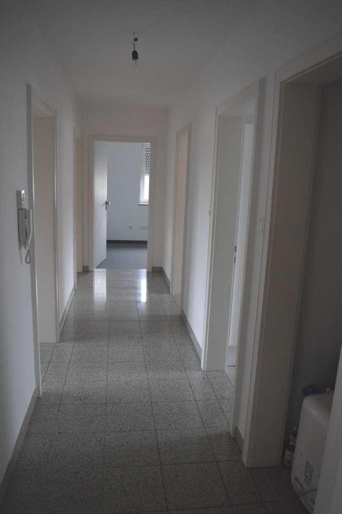 Bereits frei !!! Geräumige 3,5-Zimmerwohnung im Obergeschoss mit großem Balkon