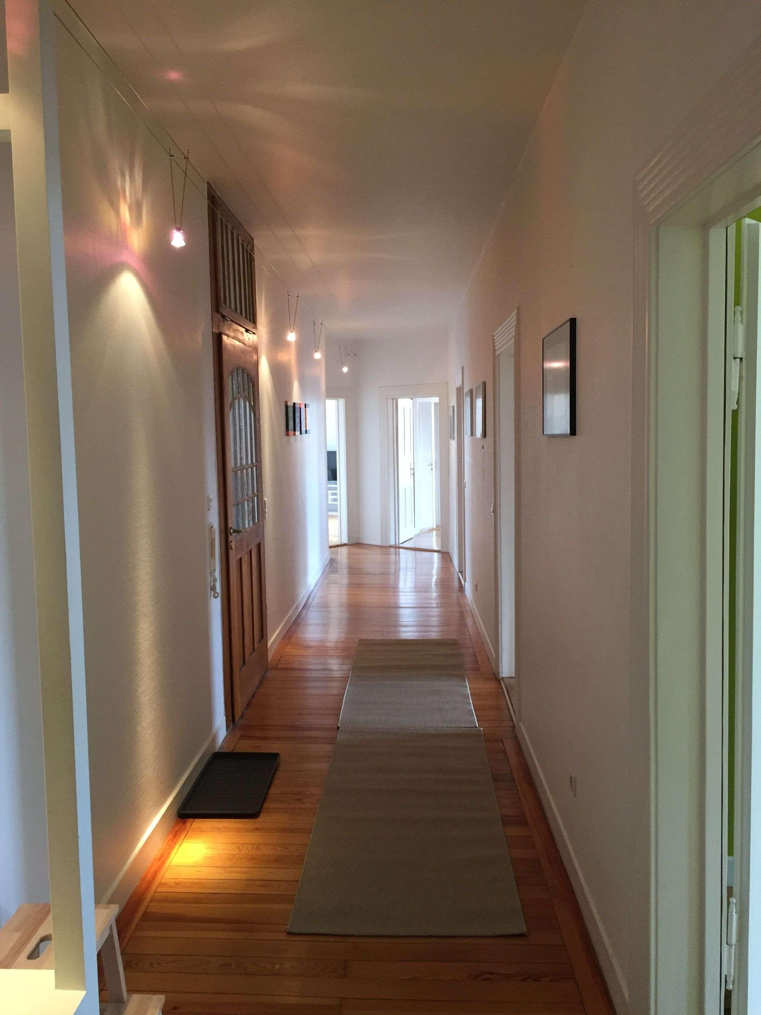 Wunderschöne 5-Zimmer-Altbauwohnung mit Balkon und EBK in Nürnberg