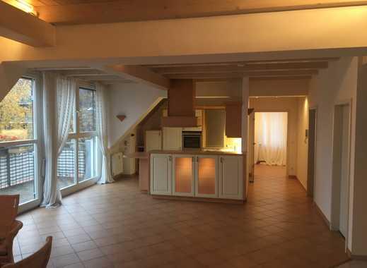 Individuelle, geräumige und helle 4-Zimmer Maisonettewohnung in Nürnberg, Rennweg