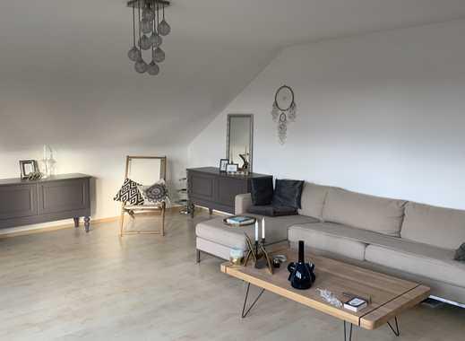 Für Kurzentschlossene: 3 Zimmer Dachgeschosswohnung am Bohlenweg mit Blick zum Schloss