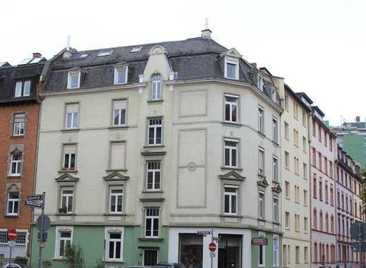 Sanierte 6-Zimmer-Maisonette-Wohnung mit EBK in Frankfurt am Main