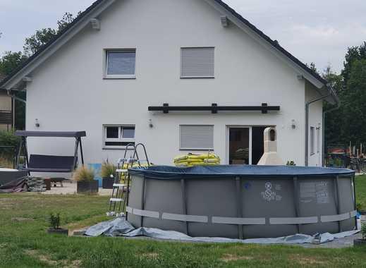 Klimaschutz fängt bereits mit dem eigenen Haus an. Dieses Kfw 55 Haus kaufen, einziehen, fertig!!