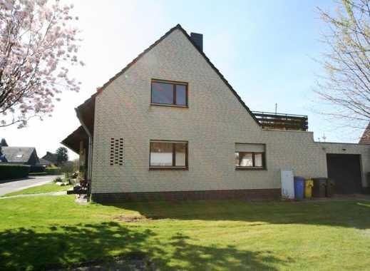 *** Zweifamilienhaus für Handwerker in Grefrath mit Garten und 2 Garagen ***