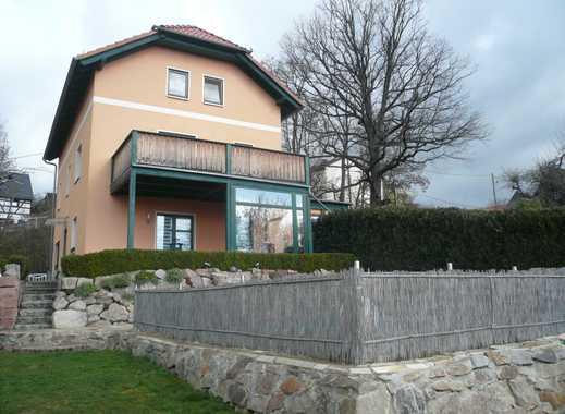 sehr großzügiges Einfamilienhaus mit Balkon, Terrasse, Pool und Garten