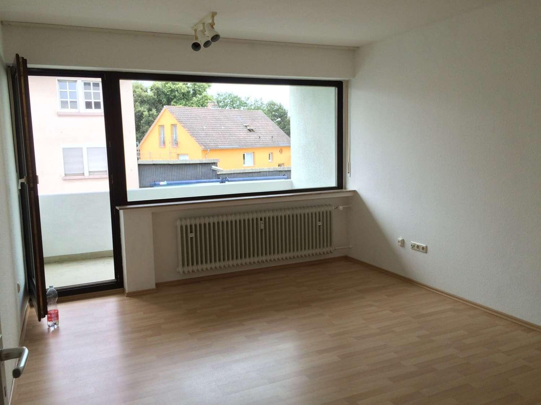Helle 1 Zimmer Wohnung mit Balkon in Schweinfurt, 5 Gehminuten zur Innenstadt und Fachhochschule in