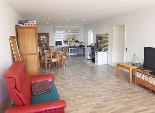 Vollständig renovierte 3-Zimmer-Erdgeschosswohnung mit Balkon und Einbauküche in Bergheim/Oberaussem
