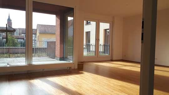 Quartier am Leinebogen: Moderne 5-Zimmer Wohnung mit Balkon