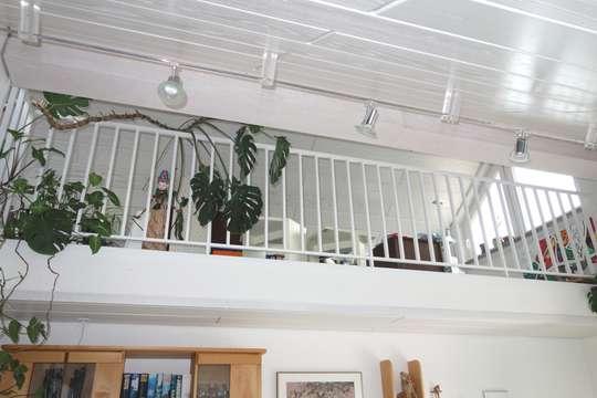 TOP 2,5 Zimmer Galerie - Wohnung mit schöner Aussicht