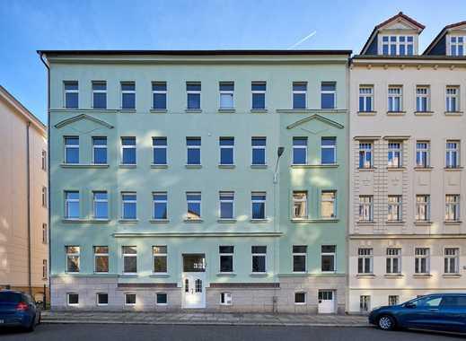 Provisionsfrei & frisch renoviert: 2-Zimmer-Wohnung mit Balkon - ideal für Singles