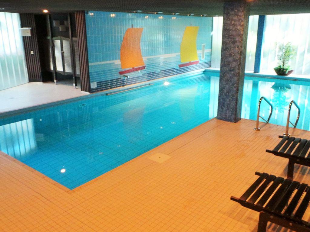 Indoor Pool Bauen Traumhafte Schwimmbaeder