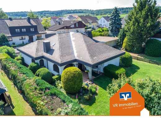 Exklusive Villa, sehr ruhige und exponierte Lage mit Blick ins Grüne.